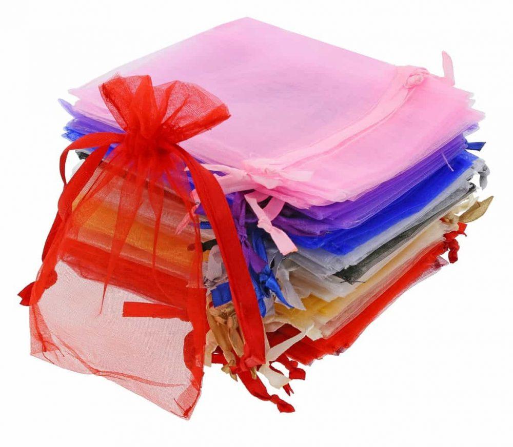equenos-sacos-de-organza-e-fita-em-cetim-10x15cm-cores-differentes-2.jpg